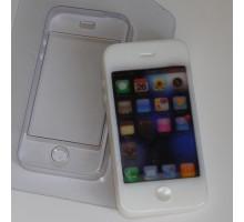 Смартфон, пластиковая формочка для мыла